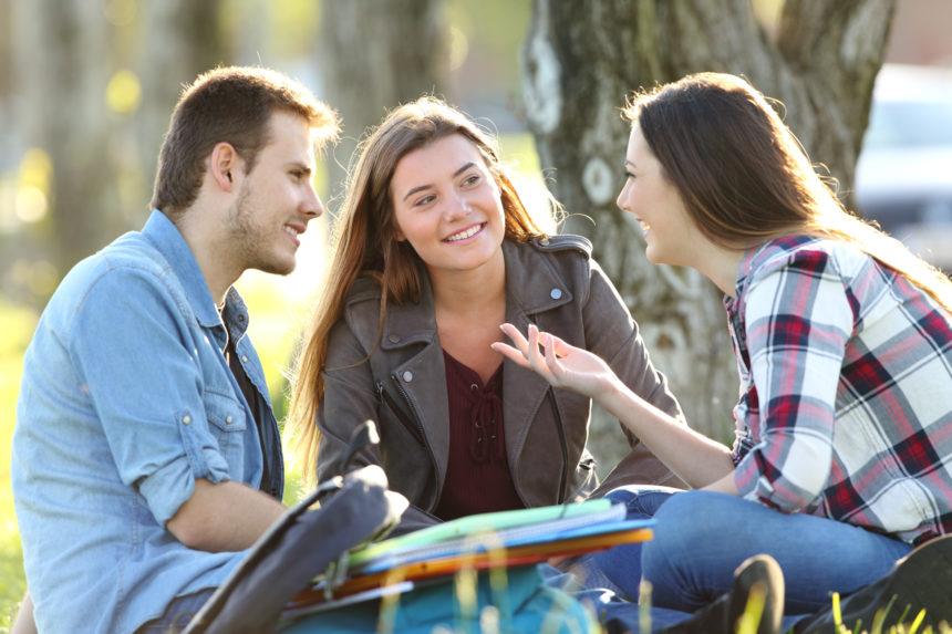 Philosophieren im Park – Im Bludenzer Plettenbergpark gemeinsam über das Leben reden